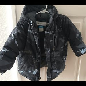 Columbia camouflage puffer coat
